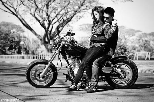 girl-and-guy-on-motorcycle
