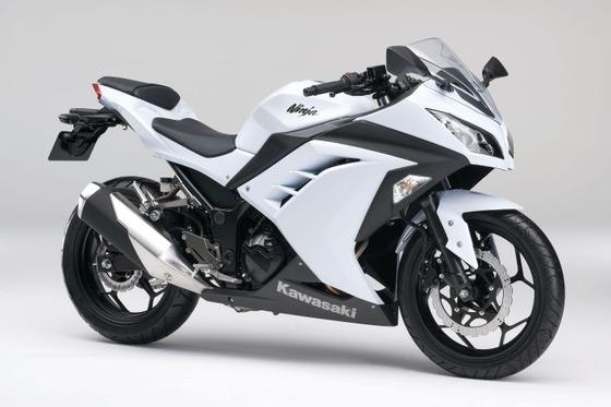 20130201_Ninja250_EX250LDF_WHT_sltl