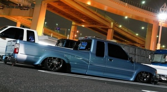 toyota-hilux-truckin-style-low-down-light-blue-color-1