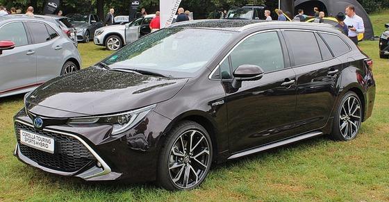 800px-Toyota_Corolla_Touring_Sports_Monrepos_2019_IMG_1906