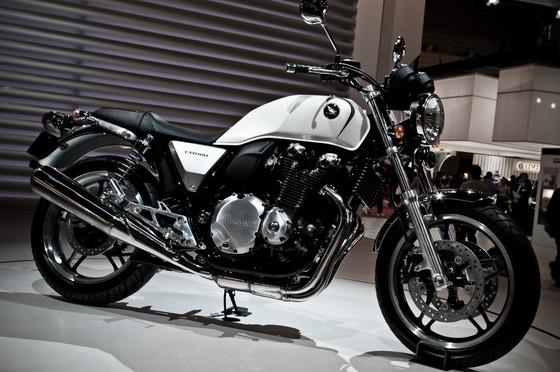 HONDA_CB1100_-_2009_Tokyo_MotorShow