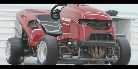 ホンダが「世界最速の芝刈り機」をさらにパワーアップ! 「CBR1000RR ファイヤーブレード」のエンジンを積んで192psに
