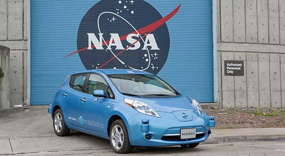 nasa-nissan-car-700