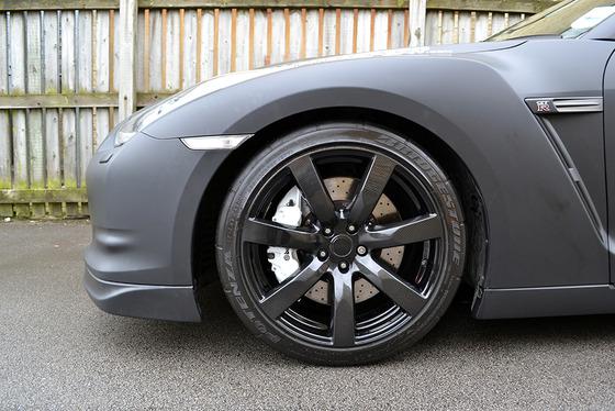 Nissan-GTR-Matte-Black-Wrap-Carbon-Wheel