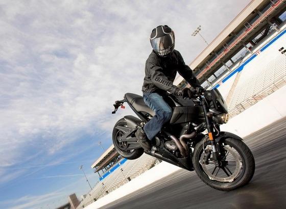 バイクで前輪ブレーキ全く使わないマンいる?