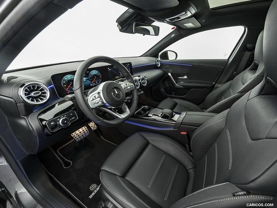 ベンツの350万の車の内装wwwwww