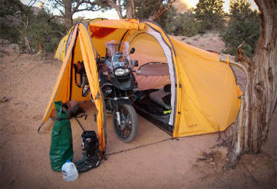 nomad-tenere-expedition-motorcycle-tent_s