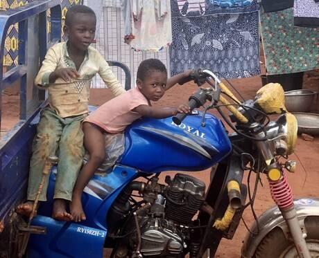 【画像】これ何のバイクかわかる奴おる???