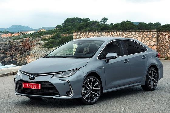 corolla-sedan-1.8l-grey-2019-008-395018