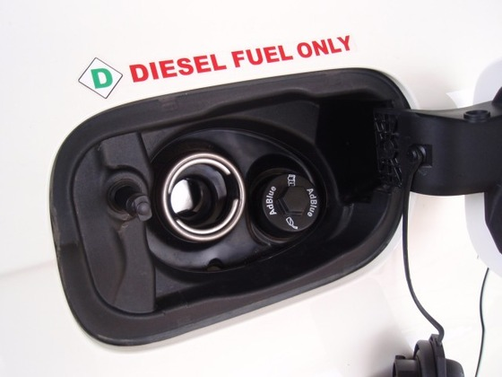 diesel-fuel-only-caution-on-audi-q7-tdi_100319764_m