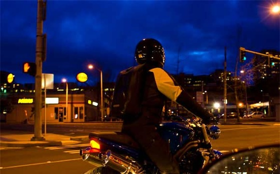 motorcycle-stoplight