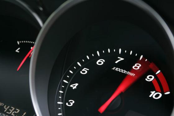 NAエンジンで8500回転まで回る車っていいよな?