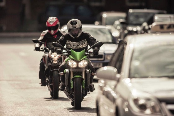 2015%2F07%2Fcity-riding-tips-rideapart-4