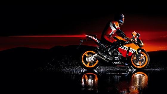 Honda-Very_cool_motorcycle_wallpaper_1366x768