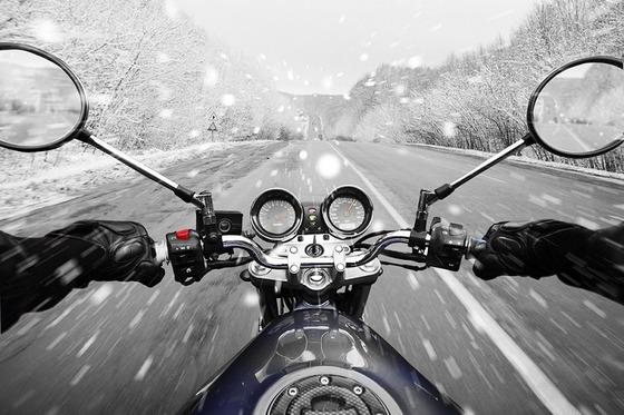 motorbike-winter-driving-snow-main