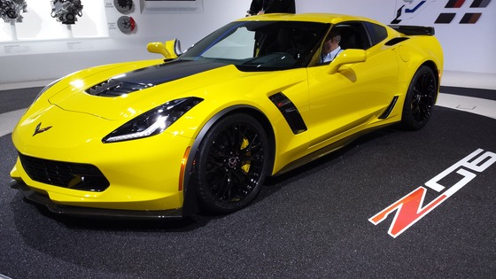 2015_Chevy_Stingray_Corvette_Z06_Debut_at_Detriot_Auto_Show_2