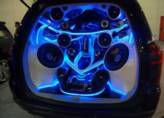 Modifikasi-Audio-Mobil