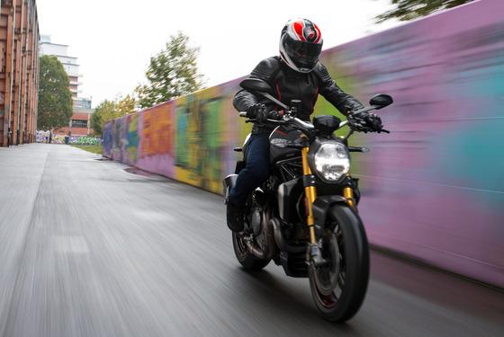 バイクという危険な乗り物