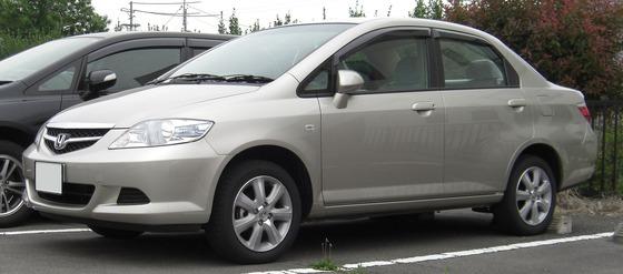 1920px-2005-2009_Honda_Fit_Aria