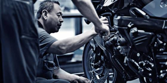 Motorcycle-Repair-cropped_iStock_s