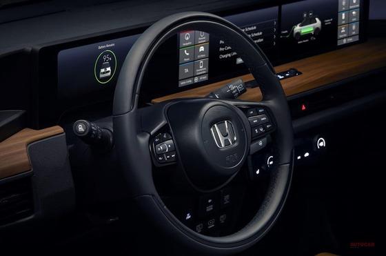 90-honda-e-prototype-geneva-steering-wheel
