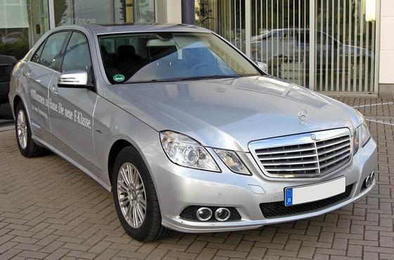 1024px-Mercedes_E_250_CDI_BlueEFFICIENCY_Elegance_20090518_front