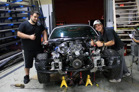 Pontiac-Solstice-swap-TOYOTA-Supra-2JZ-Engine