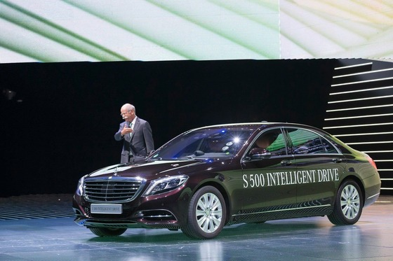 Mercedes-Benz-Intelligent-Drive-self-driving-car