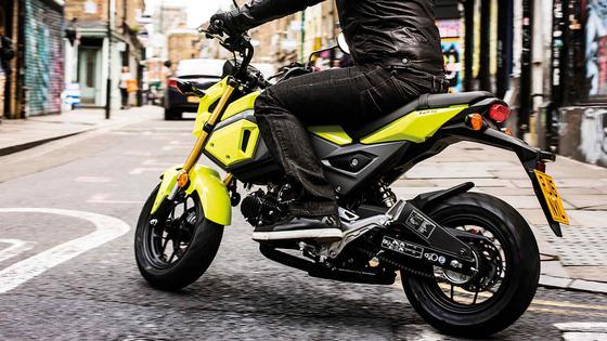「大型バイクは楽しいぞ」 vs 「125ccは経済的」