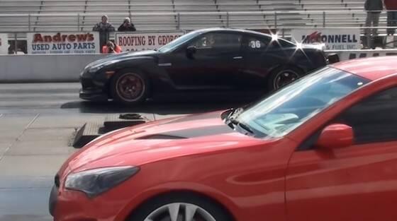 日産GT-R VS 現代ジェネシス(2秒ハンデ)の結果wwwwwwwwww