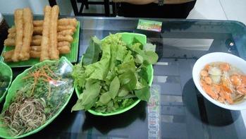 野菜にはラップ