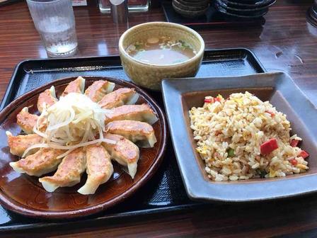 浜松餃子と五目チャーハン