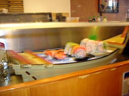 これぞ寿司ボート