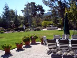 裏庭というより庭園
