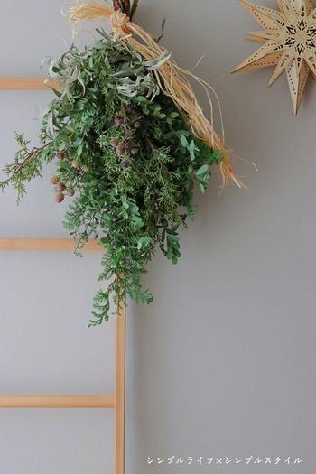 花のある暮らし Flower Friday|毎年恒例、クリスマススワッグを作ってみた。