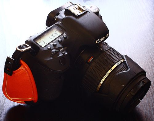 握るカメラぐりっ0プ (4)
