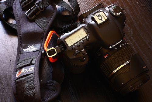 握るカメラぐりっ0プ (6)