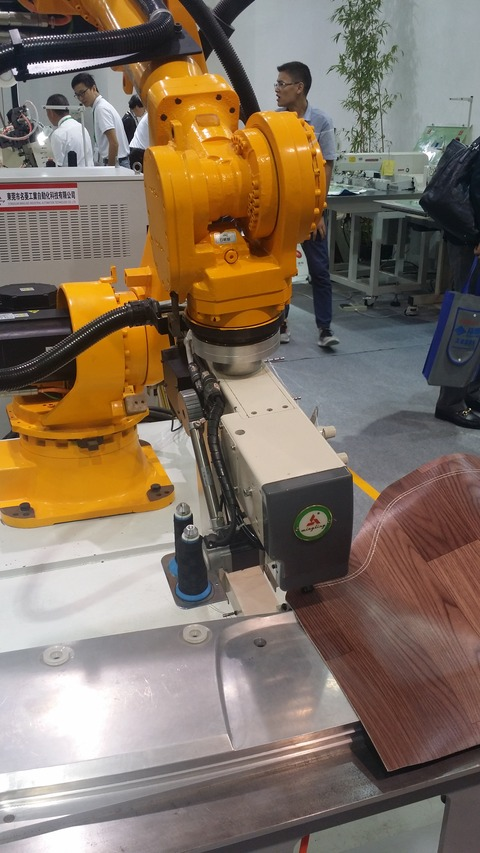 中国製ロボットミシン①