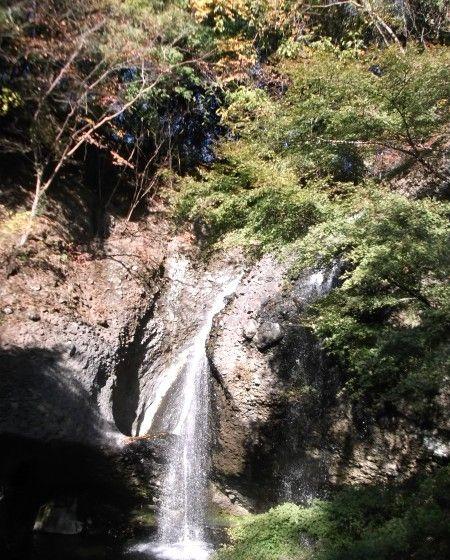 11月16日月待の滝1