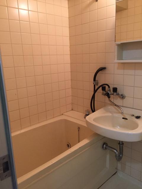 カーサ神宮前103浴室
