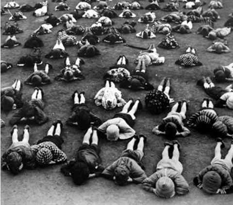 戦時下の防空訓練