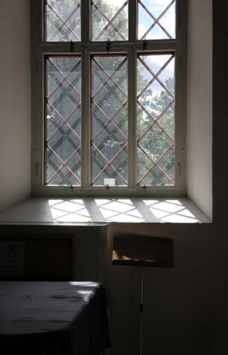 北欧住宅の窓際5