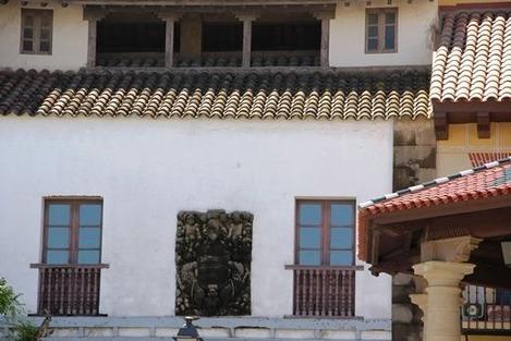 南欧の白い壁の家(3)