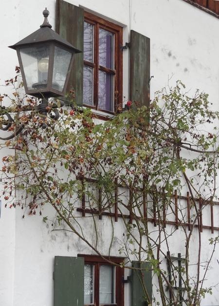 北欧の家の窓 (2)