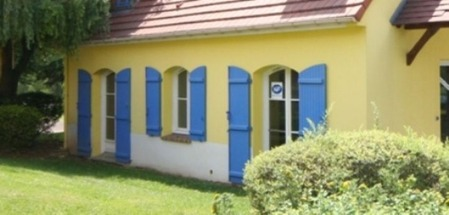 南欧の家の窓�