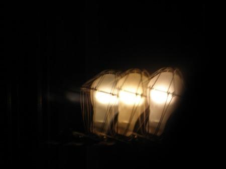 トリプルガラスな灯り�