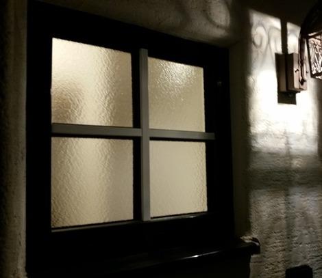 小さな格子窓(2)