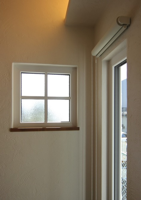 断熱トリプルガラスの窓格子(2)