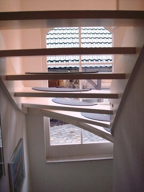 北欧の通し窓と階段(3)