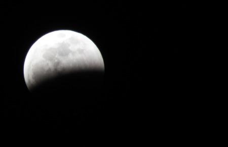 岩手の月食